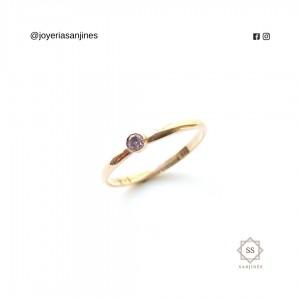 Anillo de Oro de 18k con circón violeta pastel