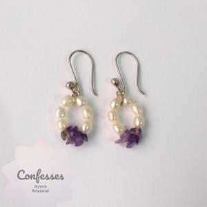 Aretes amatistas y perlas