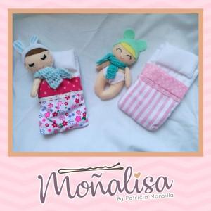 Bebé con camita confeccionado - Fieltro y telas - Todo bordado y elaborado a mano - Perfecto para regalar