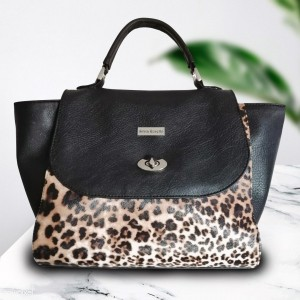 Cartera Negra con Animal Print