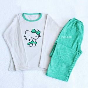 Pijamas en micropolar mujer - Modelo Hello Kitty talla M