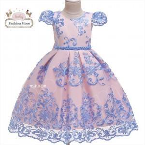 Vestido bordados azules y satén color rosa - Talla 6