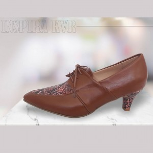 Zapatos embotinados