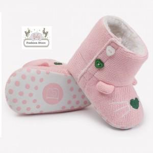 Botitas de Bebé Love - Color rosado - Ropa para bebés de 3 a 6 meses