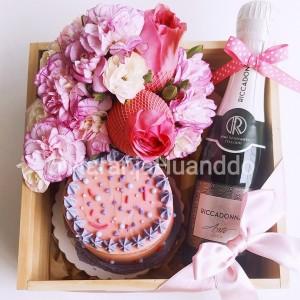 BOX PINK BIRTHDAY - con torta
