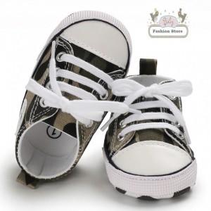 Zapatillas Urbana - Color Militar - Ropa para bebés de 3 a 6 meses